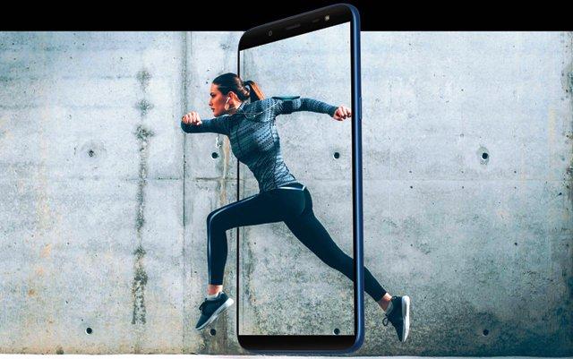 Samsung Galaxy J8 Photo